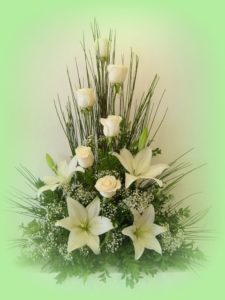 17-lovely-white-tall-arrangment